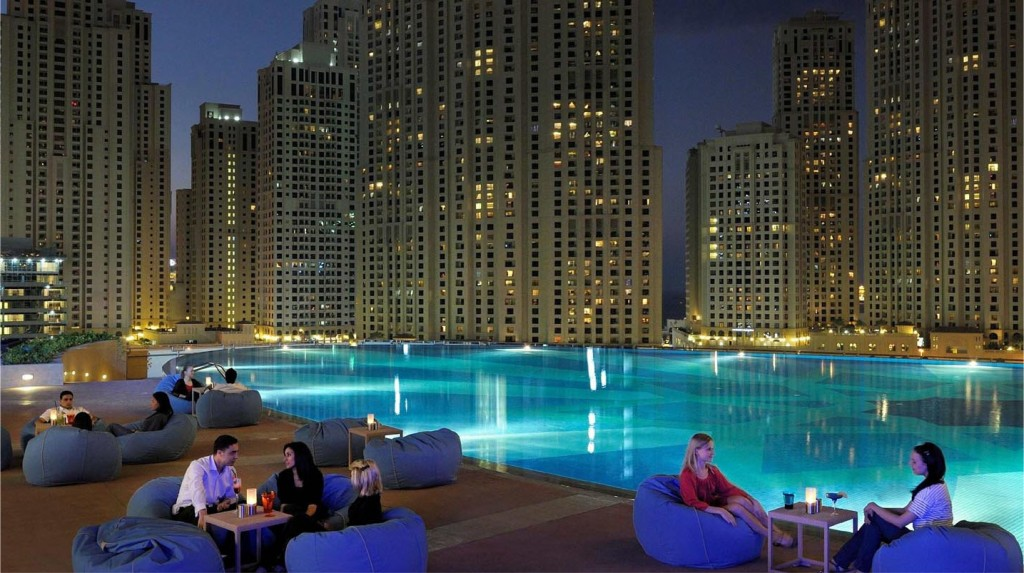 the-adress-dubai-marina-pool